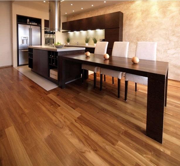 dřevěná podlaha z masivu teak