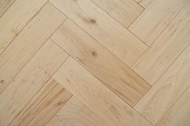dubová masivní podlaha - stromeček RM